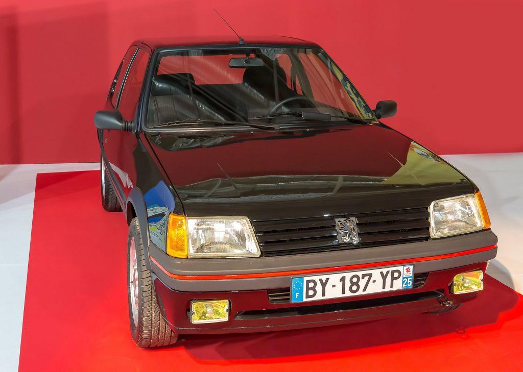 Peugeot 205 gti hot hatch