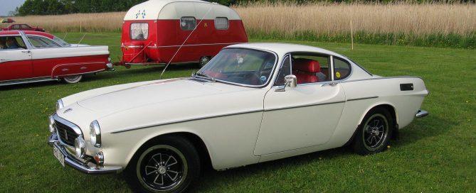 classic cars Volvo p1800